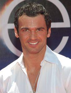 Tony Dovolani