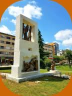 statue victims
